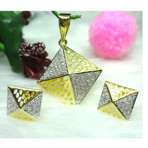 916 gold supar square cz pendant set