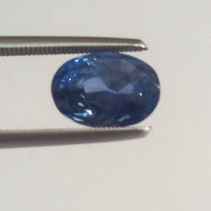 4.03ct oval blue blue-sapphire-neelam