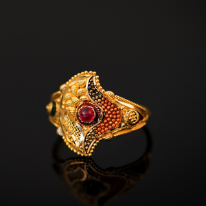 22k ladies antique ring