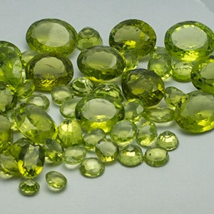 82.100ct round green peridot