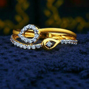 Beuty shiner cz gold ladies ring lrg -0264