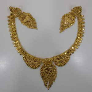 22 kt 916 gold light weight necklace set with
