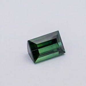 7.690ct square green tourmaline
