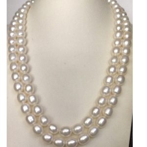 Freshwater white oval pearls necklace 2 layer