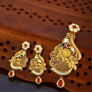 22 kt gold hallmark classic  pendant set