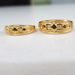 22kt yellow gold corinna couple ring for unis