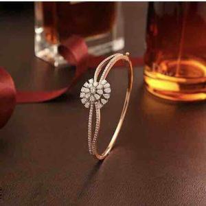 18kt designer bracelet