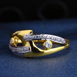 22ct gold cz hallmark gorgeous  ladies ring l