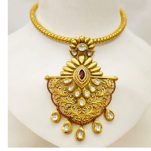 String choker with kundan work and traditiona