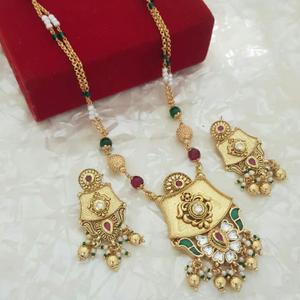 22kt gold fancy designer set