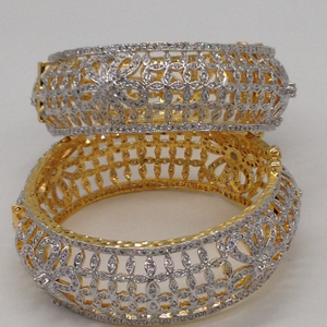 White cz bridge openable bangles jbg0043