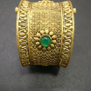 916 gold antique bridal bangles kg-b082