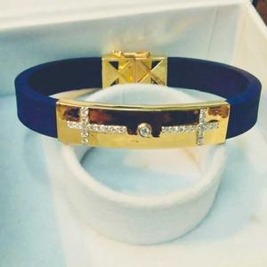 18 carat gold classy & bold leather brace