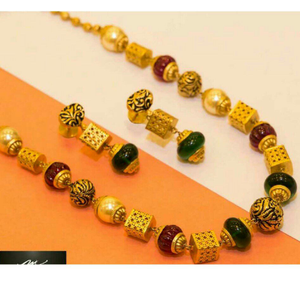 22k / 916 gold antique ladies mala