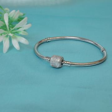 92.5 Sterling Silver Pandora Moment Brecelet For Women