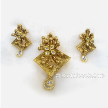 22kt Antique Gold Indian Bridal Pendant Set