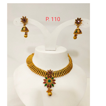 Gold Polish Flower work Design Kundan Choker Set with Red & green stone 1276