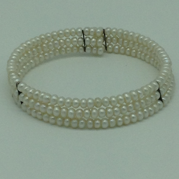 White Flat Pearls 3 Layers Stiff Bracelet JBG0161