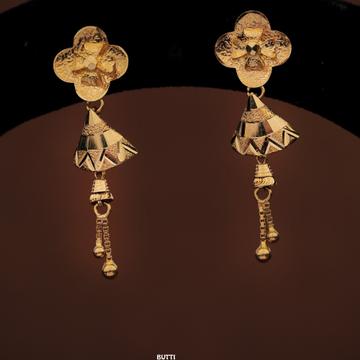 PLAIN GOLD LATKAN EARRINGS