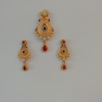 916 gold fancy antique jadtar butty pendant set by Vinayak Gold
