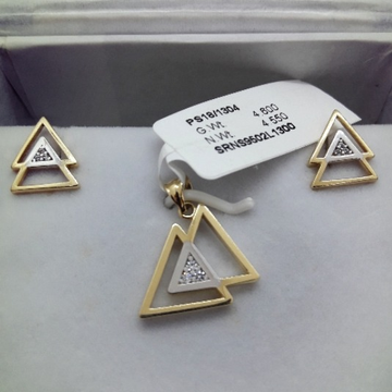 916 Gold Delicate Triangle Shape Pendant Set CMJ-PS004