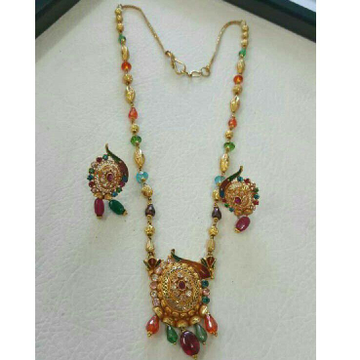 916 Attractive Gold Ladies Necklace