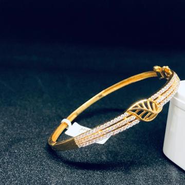 916 gold Hallmark Leaves Design Bracelet For Women