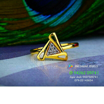 916 Fancy Cz Ladies Ring LRG -0192