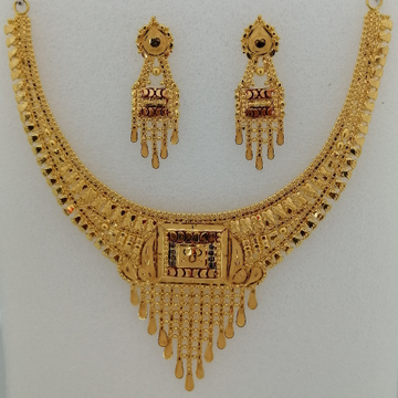 916 gold tikki work short set by Vinayak Gold