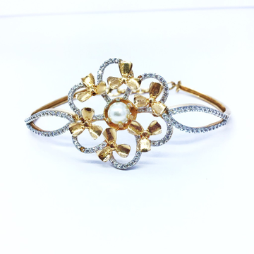 FANCY GOLD KADA BRACELET