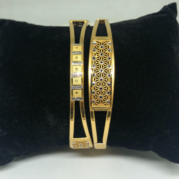 22Kt Gold Fancy Copper Kadli Bangle VN-B15