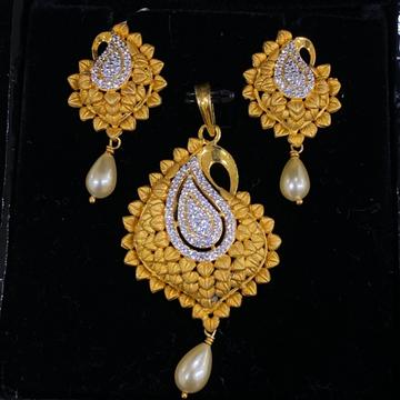 Cz gold fusion pendant set