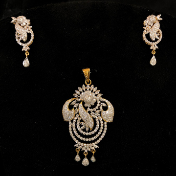 Gold designer diamond pendant set by