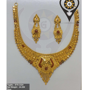 916 Gold Hallmark Trendy Ethnic Design Necklace Set  by Parshwa Jewellers