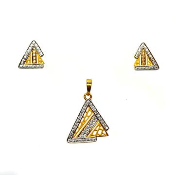 22K Gold Triangle Shaped Matte Finish Pendant Set MGA - PTG0120