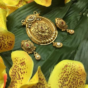 916 gold antique pendant