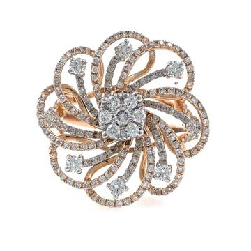 18kt / 750 rose gold Fancy Flower Diamond Ring for...