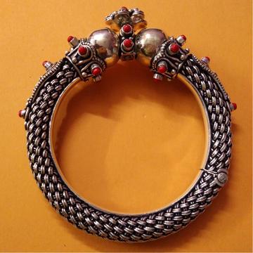 Handcrafted rajputana style gokhru bangles with co...