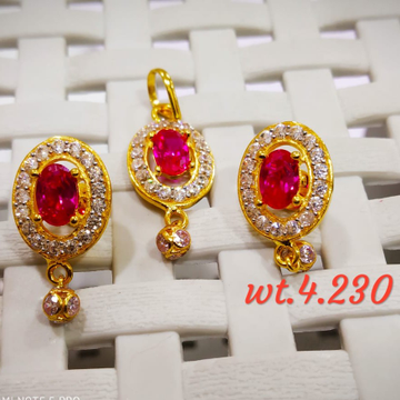 22KT yellow Gold colour Stone Pendent butti Set for Women