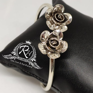 Silver 92.5 flowers oxidized ladies kada RH-LB931