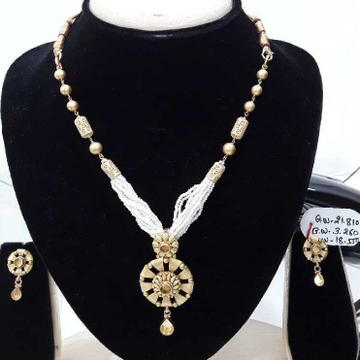 916 Antique  Fancy Gold Moti Round Shape Set