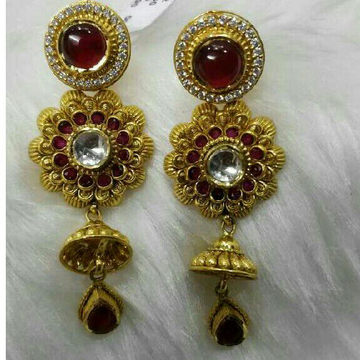 22K / 916 Gold Ladies Antique Jadtar Earrings