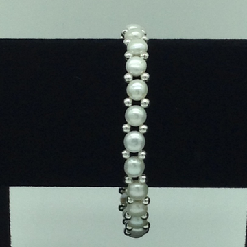 White button pearls with white jaco balls 1 layers...