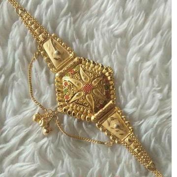 Gold Gujarati Lockit by