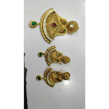 22K / 916 Gold Antique Single Naka Pendant Set