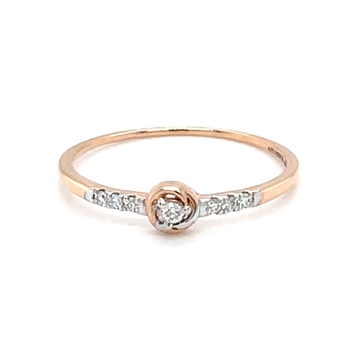Single diamond in centre with diamonds on band 0lr...