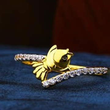 916 Gold Ladies Fish Ring