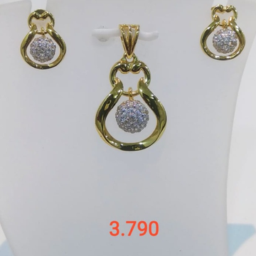 22 CT GOLD PENDENT SET UNIQE DESIGN