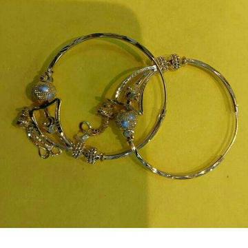 20KT Gold Fancy Ladies Nakhli Earrings by Vipul R Soni