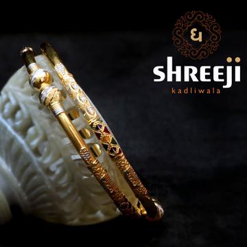 22KT Gold Fancy Modhiya Copper Kadli Bangle